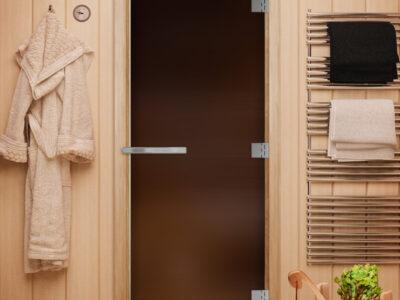 Стеклянная дверь для сауны и бани